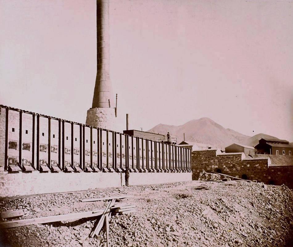 Fundicion Huanchaca (actuales ruinas) en pleno Funcionamiento. Circa 1900.